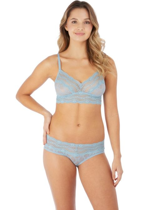 Lace Kiss Forget Me Bralette without underwire, light blue b.tempt'd